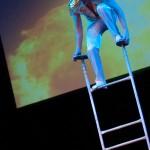 Артисты цирка - Эквилибр на лестнице