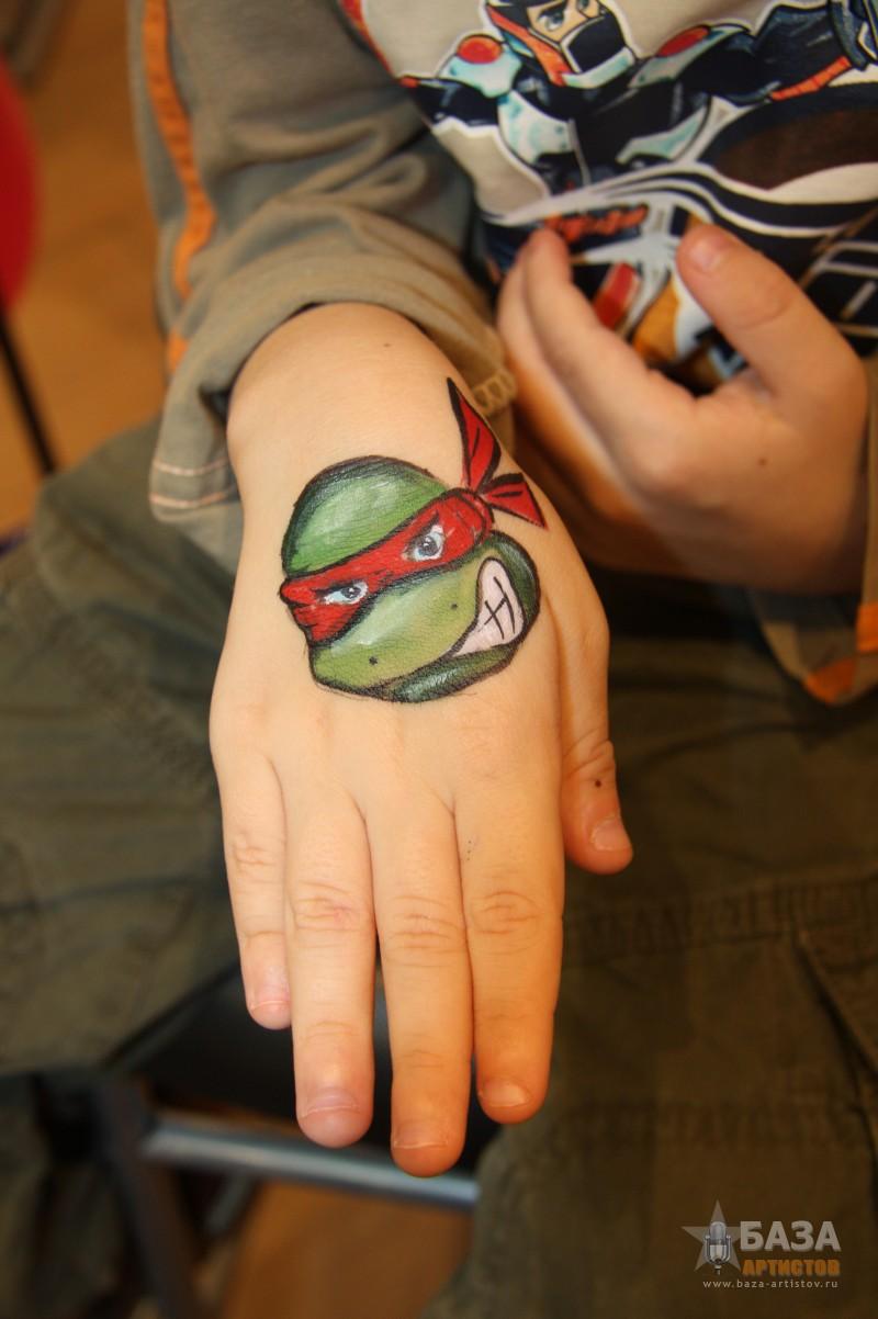 аквагрим фото на руке