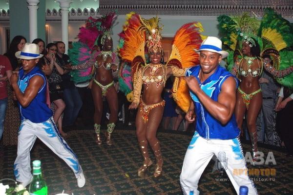 Бразильское карновальное зротическое шоу фото 274-69