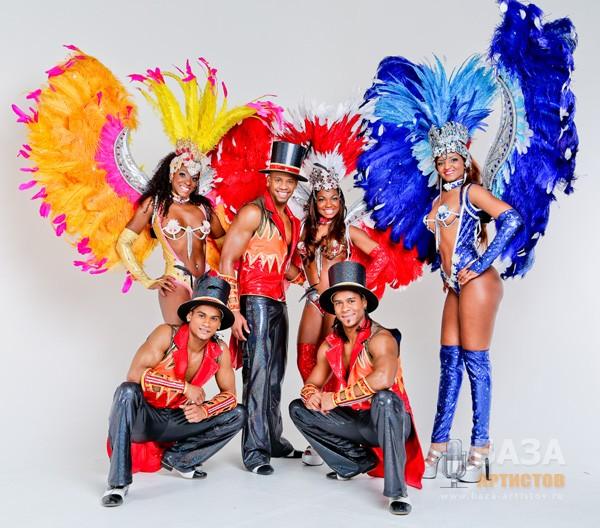 Бразильское карновальное зротическое шоу